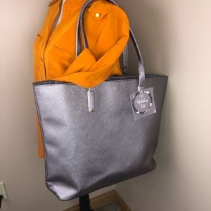 Handbags - NWT metallic travel bag tote